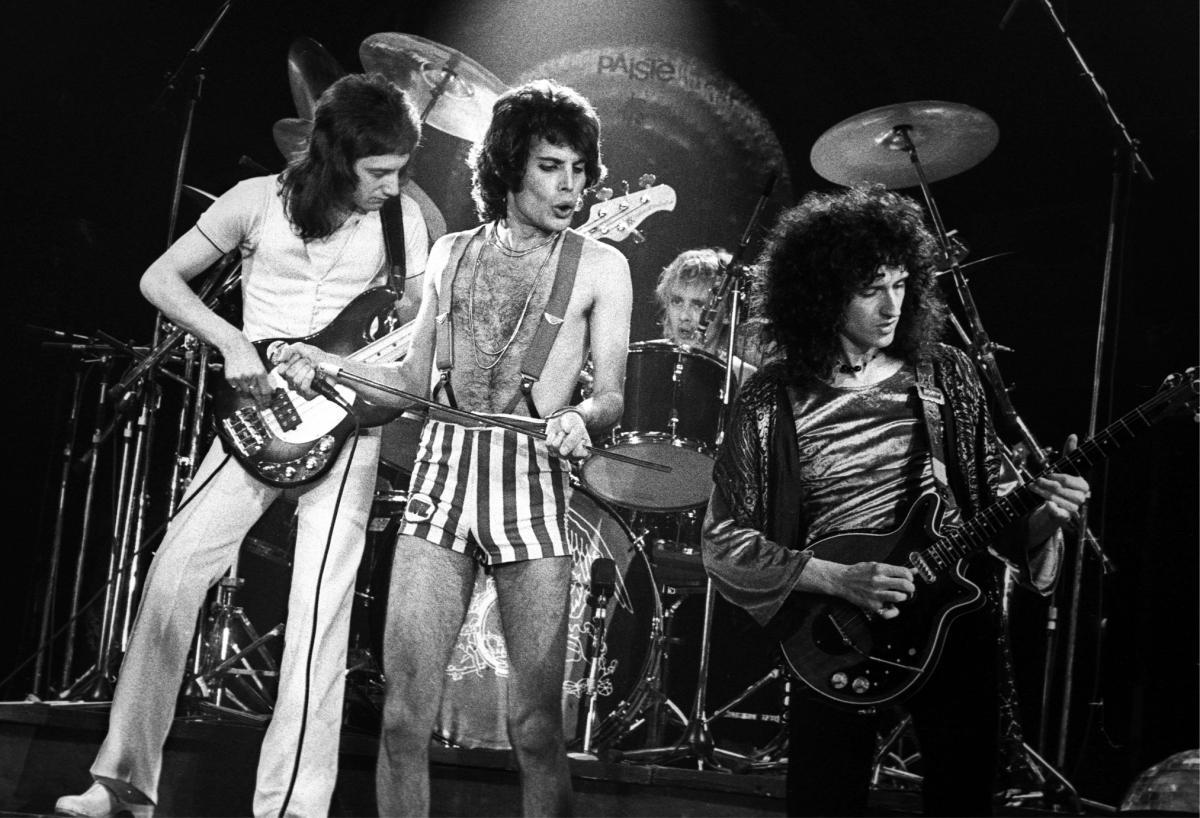 Queen: Короли рока 4